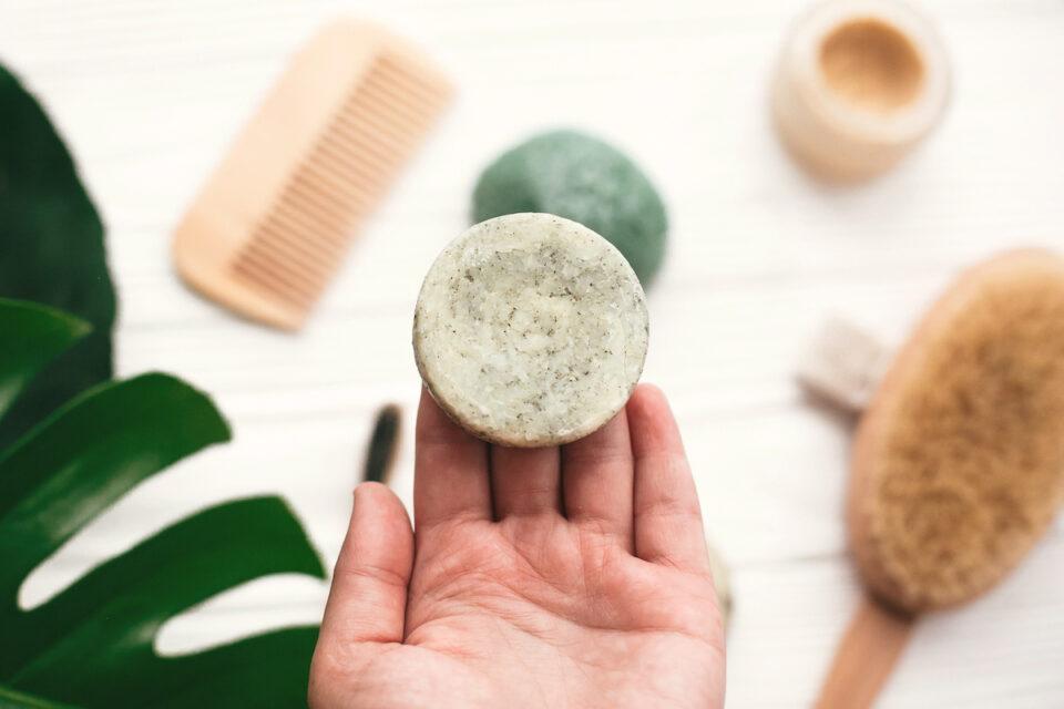 Shampoo solido: l'alternativa ecologica e senza sprechi