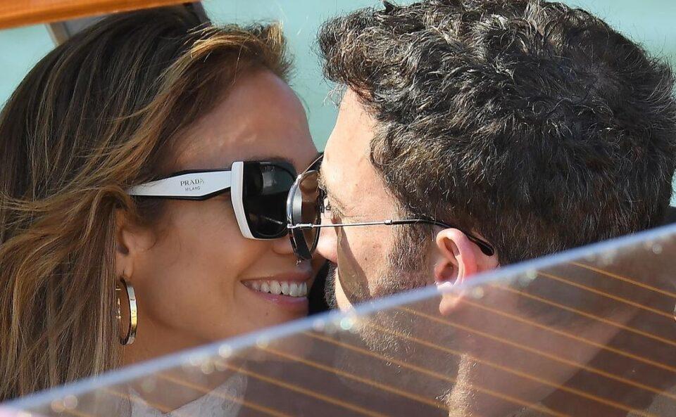 Jennifer Lopez e Ben Affleck, la coppia del momento sbarca al Lido